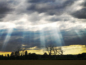 220pxcrepuscular_rays_with_clouds_a